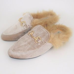 Cape Robbins 6 Furry Velvet Flat Mule Loafers EUC